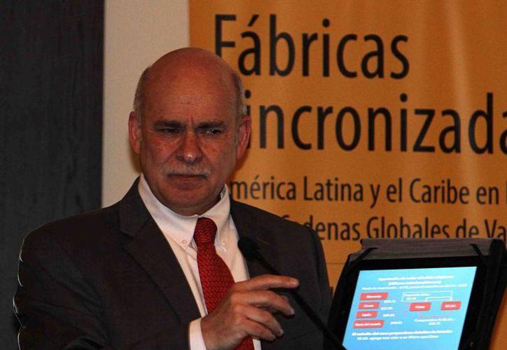 Eduardo Sojo, presidente del Inegi, reportó buen crecimiento en los sectores automotriz y turístico, entre otros. (Notimex)