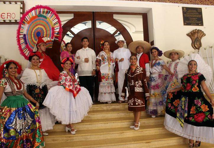 Este jueves inicia el segundo festival internacional de danza folklórica 2015 en el que se contará con la participación de 320 bailarines de ocho grupos nacionales y uno del extranjero.(Milenio Novedades)