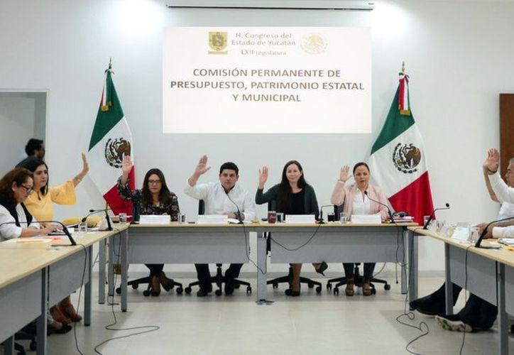 Los legisladores aprobaron 52 leyes de ingresos municipales para 2020, hoy analizarán otra cifra igual. (Novedades Yucatán)