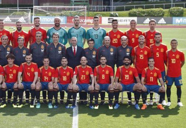 Con el control médico arrancó una mañana cargada de actos para la selección española. (Twitter)