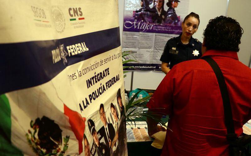Realizan Feria del Empleo para jóvenes en Chilpancingo