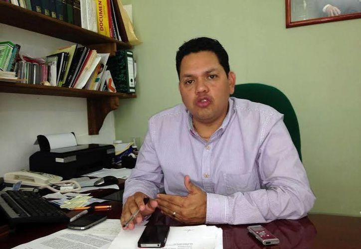 Pablo Castro: hay dos candidatos a ocupar el cargo de comisario ejidal de Oxkutzcab: José Chel, de la planilla roja, y Fausto Pinto, por la planilla verde. (Milenio Novedades)