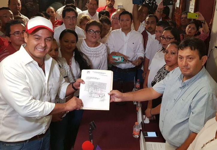 Juan Carrillo Soberanis busca la reelección en Isla Mujeres. (Redacción)