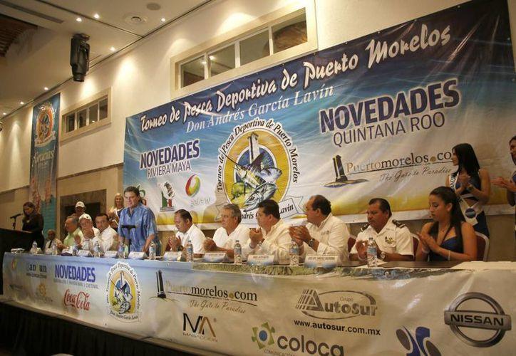 La mesa del presídium durante la inauguración del evento. (Israel Leal/SIPSE)