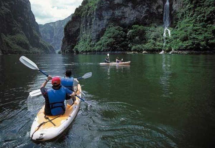 En el Cañón del Sumidero se invierte al año 1 mpd. (luxuriousmexico.com)