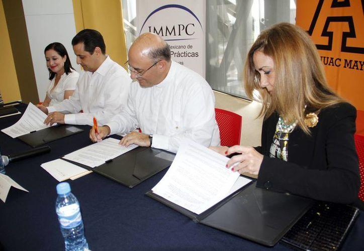 El pacto incluye dinámicas para el crecimiento y consolidación de empresas. (J. Albornoz/SIPSE)