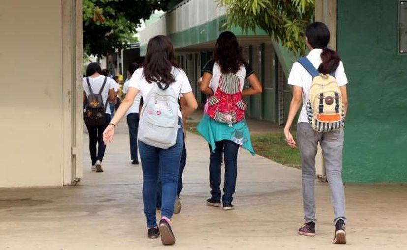 Impulsa la Segey una estrategia para frenar el abandono escolar: se trata del taller 'Yo no abandono', para bachilleres. (SIPSE)