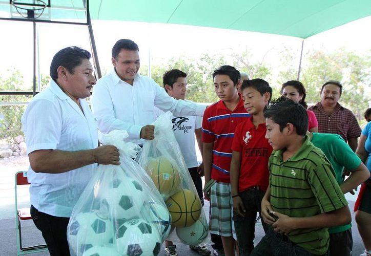 Las obras deportivas y sociales en Kantunil valen más de 3 mdp. (SIPSE)