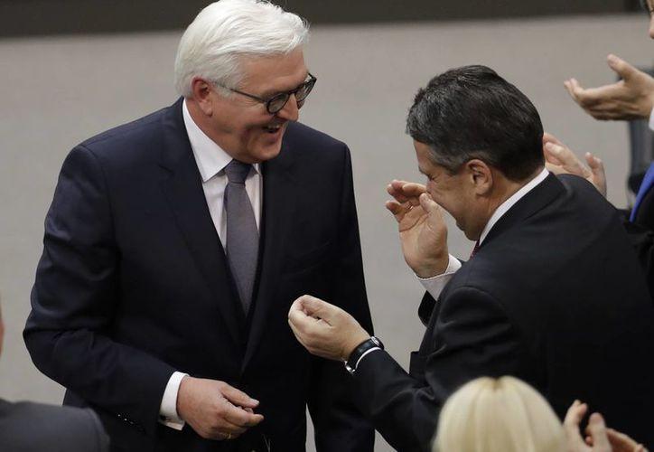 Frank Walter Steinmeier fue electo este domingo como presidente de Alemania por la Asamblea Federal de ese país. (AP/Michael Sohn)