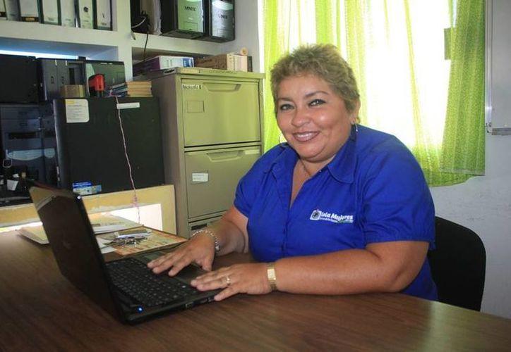 Selene Aldana González, directora de Educación, dijo que el próximo curso escolar inicia el 19 de agosto. (Lanrry Parra/SIPSE)