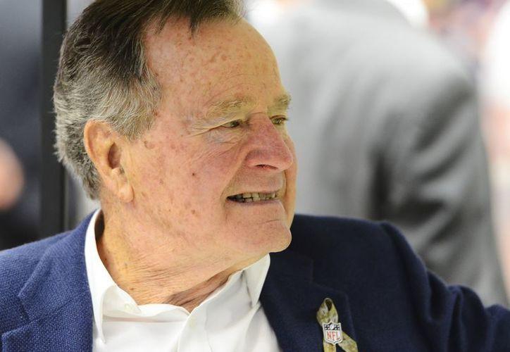 George Bush fue ingresado hace más de un mes en un hospital de Houston. (EFE)