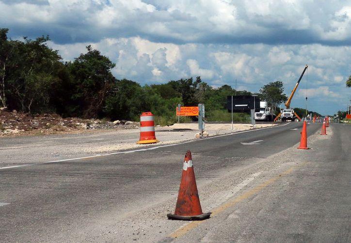 Faltan por reparar más de 35 kilómetros de carreteras malas . (Foto: Milenio Novedades)