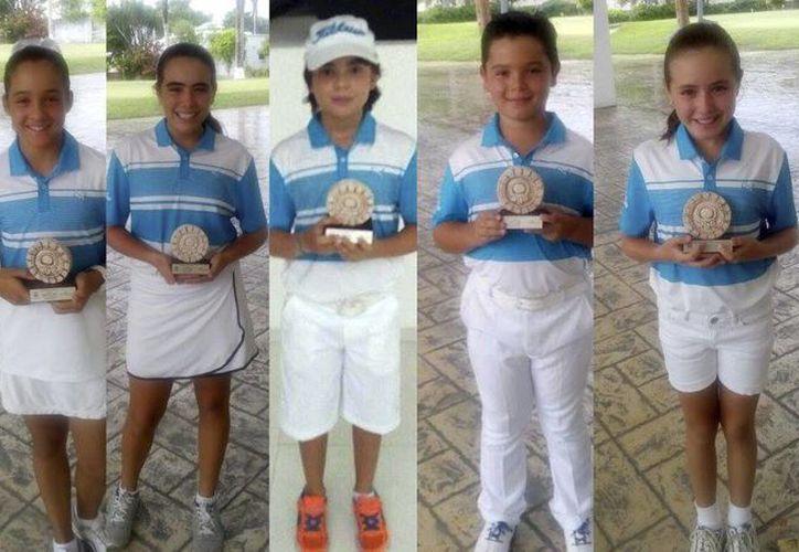 Imágenes de algunos jugadores que destacaron en la 1a Etapa de la Gira de la Zona Sureste 2016 / 2017, que se llevo a cabo del 9 al 11 de septiembre en el Cancún Country Club. (Facebook Club de Golf Yucatán)