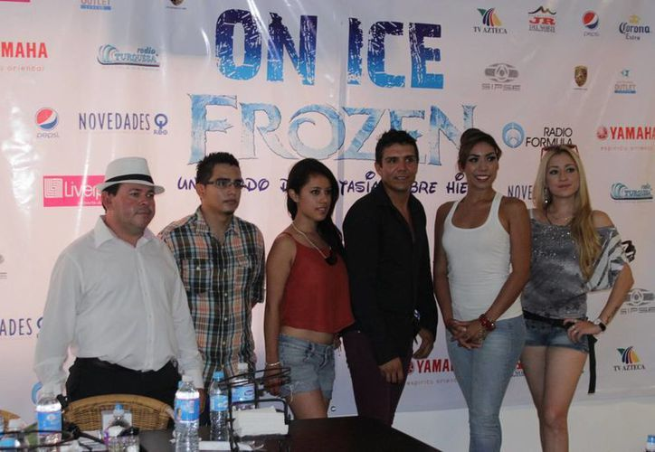 En conferencia de prensa dieron a conocer que el show se presentará sobre una pista de 100 toneladas de hielo. (Andrea Aponte/SIPSE)