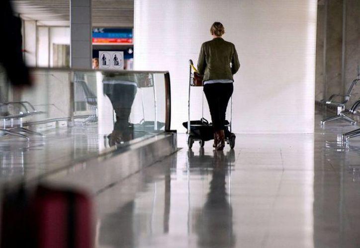 El gobierno regional confirmó el jueves la presencia del menor en la zona de tránsito del aeropuerto Charles de Gaulle de París. Imagen de contexto. (Archivo/AFP)