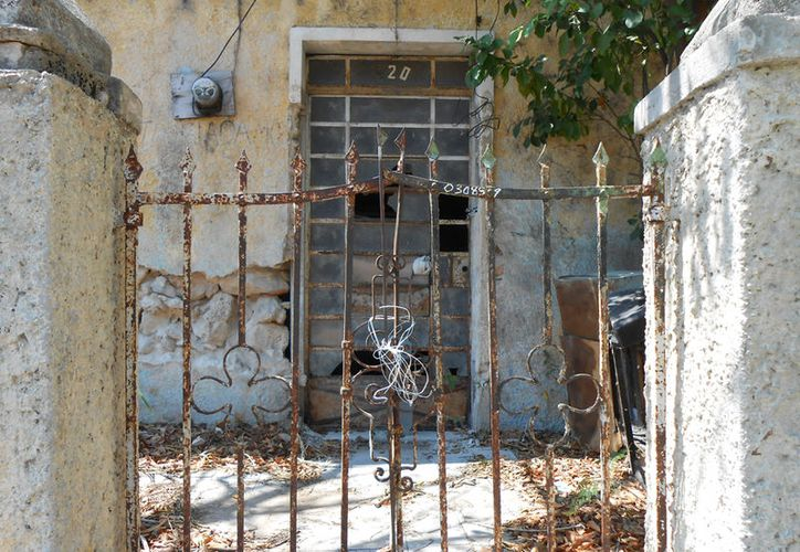 Las casas abandonadas son utilizadas, en muchos casos, como basureros clandestinos. La imagen es únicamente ilustrativa. (SIPSE)