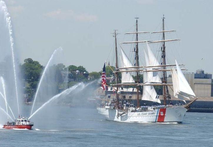 """El buque estadounidense """"Eagle"""" partió el martes de Cozumel y hoy se espera la llegada de buques similares de seis países del continente americano. (Gustavo Villegas/SIPSE)"""