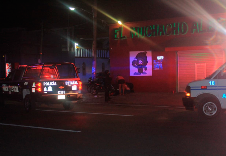 El ataque ocurrió a las afueras de este bar en la colonia Ejidal. (Redacción/SIPSE)