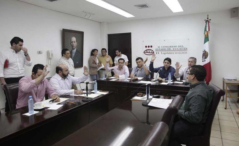 La propuesta se presentó en sesión de la Comisión Permanente de Puntos Constitucionales y Gobernación. (SIPSE)