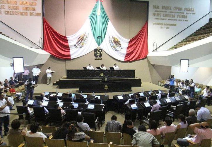 El Congreso determinará en breve la forma en que analizará el II Informe de Gobierno de Rolando Zapata Bello. (SIPSE)