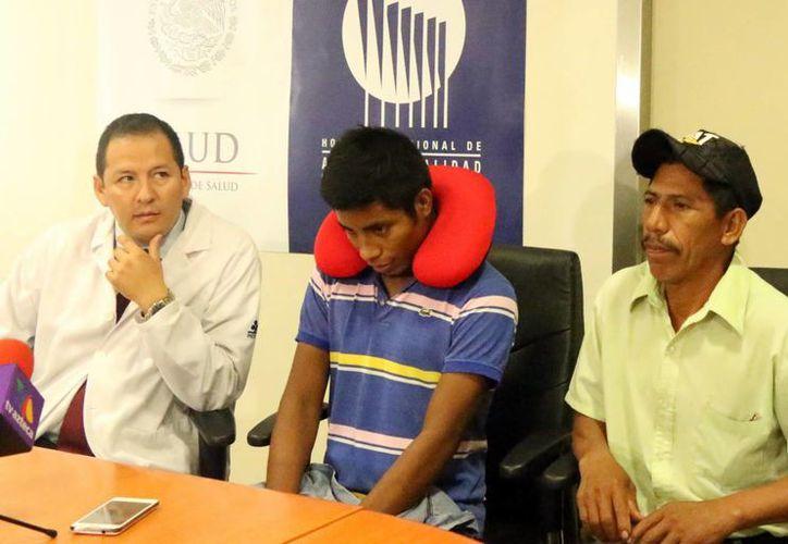 El chiapaneco Héctor Zacarías no solo recuperó el habla tras haber sido operado de la tráquea  en el Hospital Regional de Alta Especialidad de Yucatán sino que este subsidió el 90 % de los gastos de la cirugía.