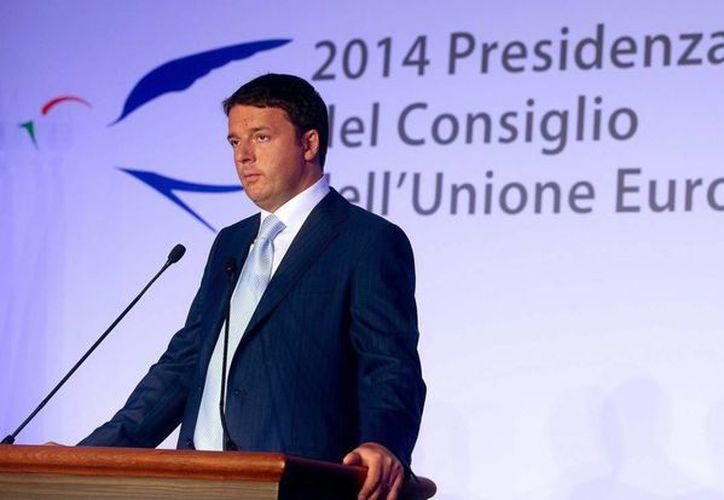 El primer ministro Italiano, Matteo Renzi, durante una rueda de prensa en Roma, Italia. (EFE)