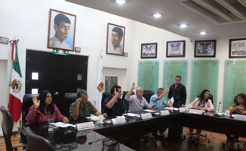 Los diputados del Congreso participaron en la Sesión de la Diputación Permanente. (Daniel Tejada/SIPSE)