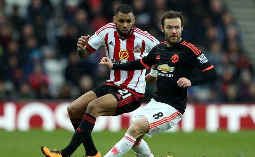 Manchester United se queda con 41 puntos, a 12  unidades del líder de la competición, mientras que el Sunderland llegó a 23 puntos en la zona de descenso.(AP)