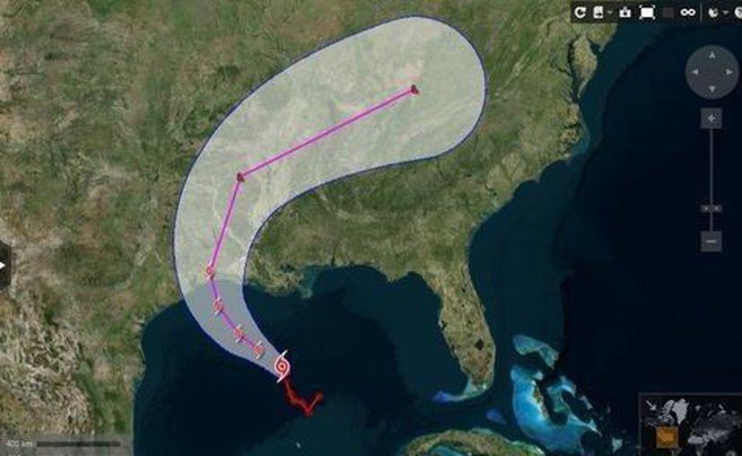 Cindy se encontraba a unos 215 kilómetros al sur de Lake Charles, Luisiana, y se desplazaba con vientos máximos sostenidos de 85 kilómetros por hora. (Reuters)