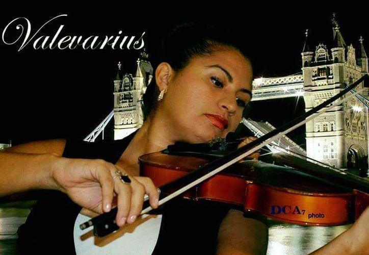 La concertista Valeria Yllescas señaló que buscan rescatar el talento que se pierde por falta de oportunidades. (Faride Cetina/SIPSE)