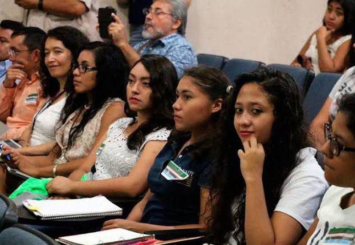 Congreso de Economía para estudiantes en Yucatán.(Foto: Novedades Yucatán)
