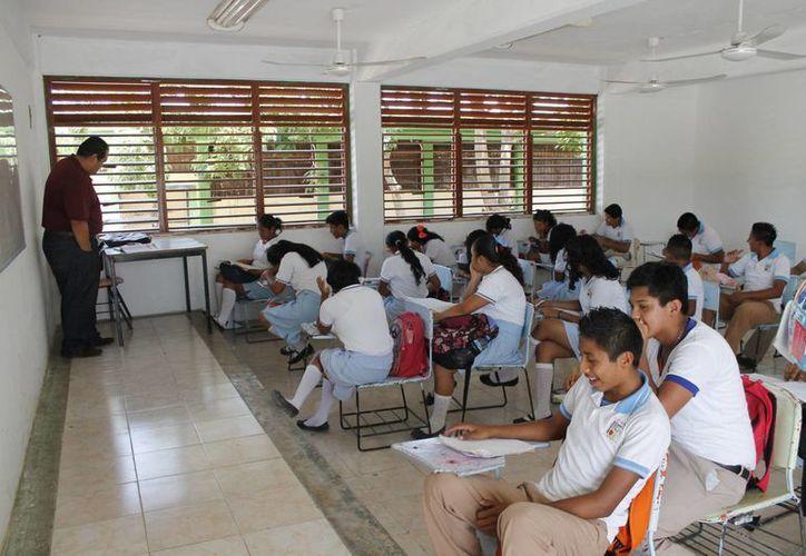 El SNTE pide a los profesores dar lo mejor de sí en bien de sus alumnos. (Jesús Tijerina/SIPSE)