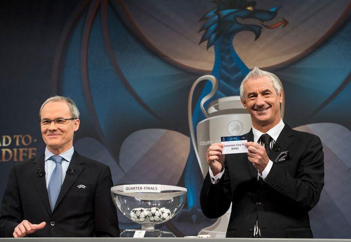 Este viernes se realizó el sorteo de los partidos de cuartos de final de la copa UEFA Champions League. Resalta el duelo Madrid vs. Bayer Munich. (AP)