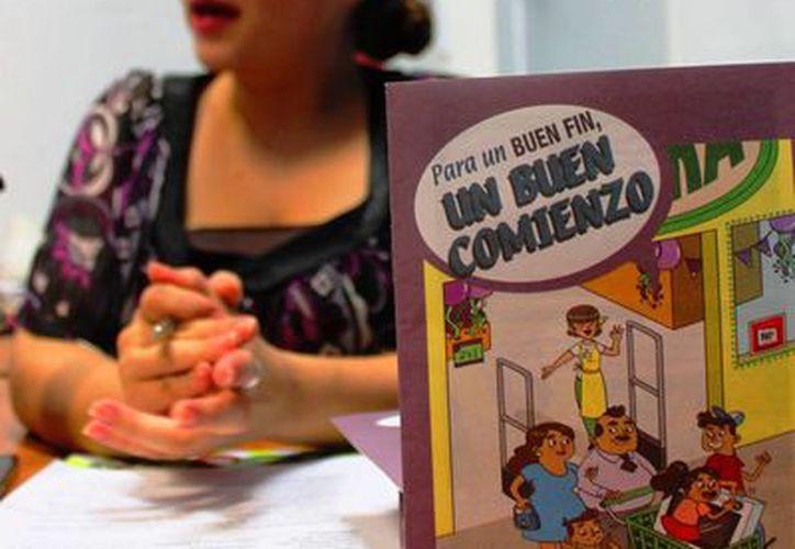 Marisol Buitrón Rangel, subdelegada de la Profeco de Playa del Carmen, recomendó no caer en deudas innecesarias. (Daniel Pacheco/SIPSE)