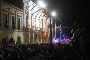 Mérida: Festejan independencia de México
