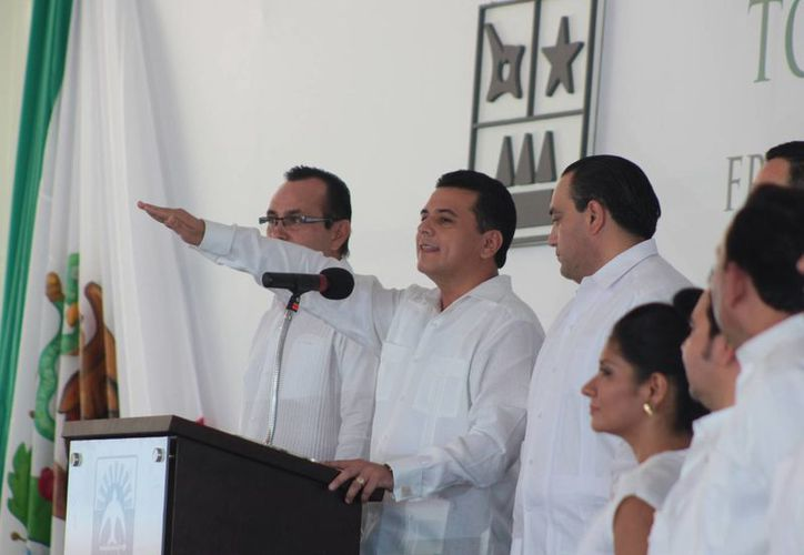 Realizan ceremonia de toma de protesta a las ocho de la mañana. (Julián Miranda/SIPSE)