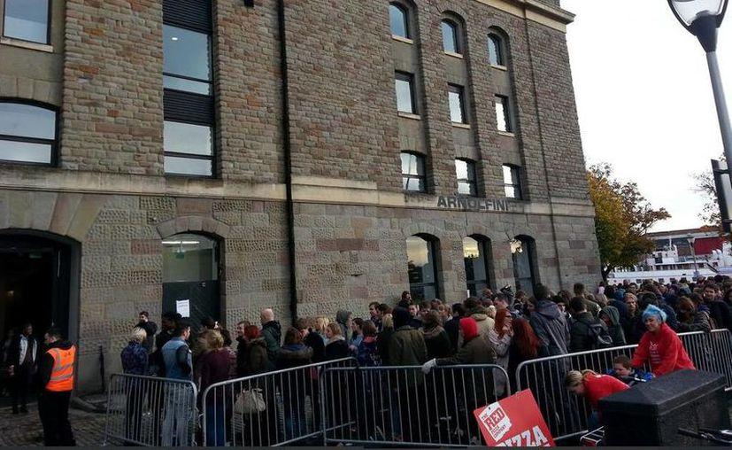 Al menos dos mil aspirantes se presentaron este fin de semana en Bristol. (twitter.com/matmorris)
