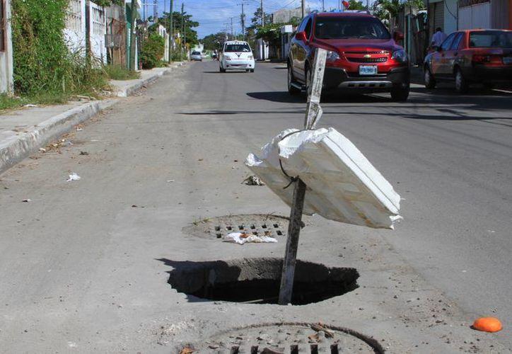 Aproximadamente ocho pozos son los que están fallando y están en la avenida Centenario. (Àngel Castilla/SIPSE)