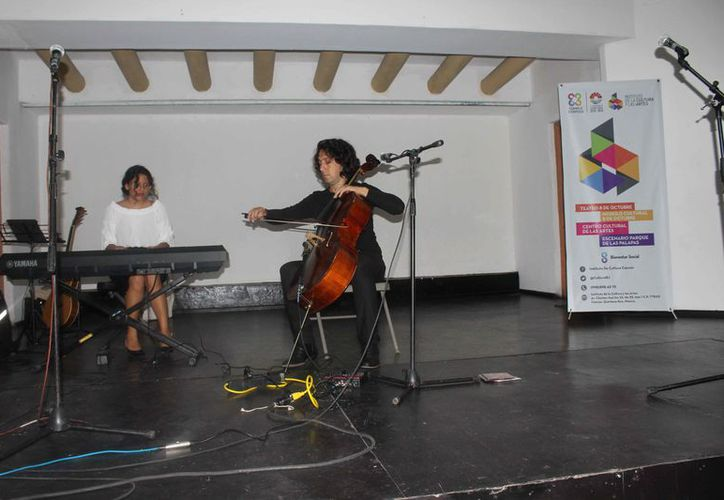 Los estudiantes se presentaron por la tarde en el foro cerrado del Centro Cultural de las Artes. (Faride Cetina/SIPSE)