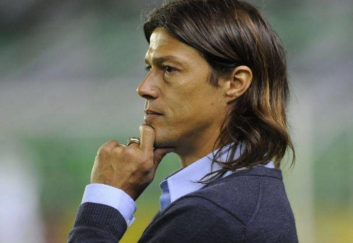 El extécnico del Banfield, Matías Almeyda, llegó este domingo a la 'Perla de Occidente' para firmar como nuevo técnico de las Chivas, según se rumora en 'Verde Valle'. (entrelineas.com.mx)
