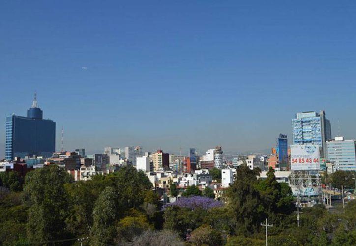 Panorámica de la Ciudad de México, en donde se pronostican lluvias para hoy. (Archivo/NTX)