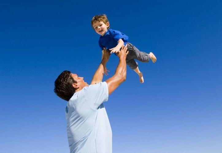Según la encuesta, la mayoría de los padres en Yucatán (89 mil 758) tienen entre 40 a 49 años. (Foto de contexto/Agencias)