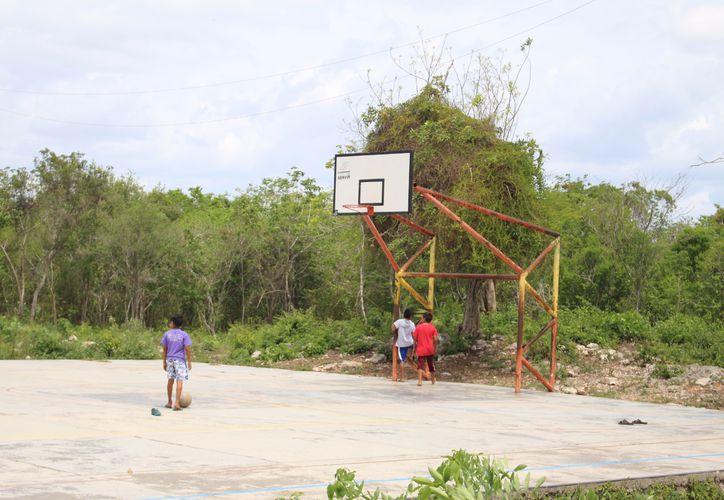 Durante 2013 y 2014, vía la Secretaría de Infraestructura y Transporte, se reporta inversión en infraestructura deportiva que no está visible en Carrillo, Morelos, Lázaro Cárdenas y Othón P. Blanco.