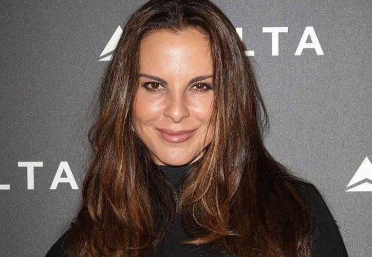 La actriz se relajó en Ibiza en un traje de dos piezas color verde. (Contexto/Internet)