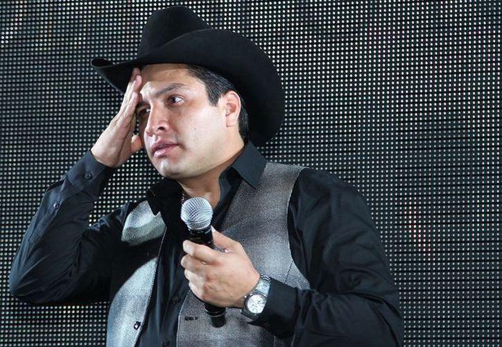 La Secretaria de Hacienda descongeló las cuentas bancarias del cantante Julión Álvarez. (Foto: La Razón)