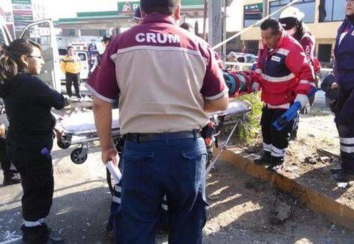 PIE El accidente ocurrió cuando el guiador de la camioneta perdió el control en una curva  a la altura de Río de los Remedios. (Milenio)