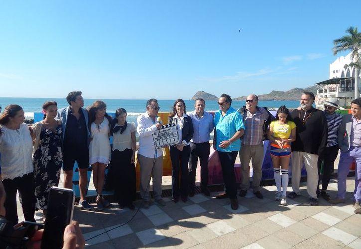 La grabación de la primera escena se montó en el malecón del puerto de Mazatlán. (Redacción)