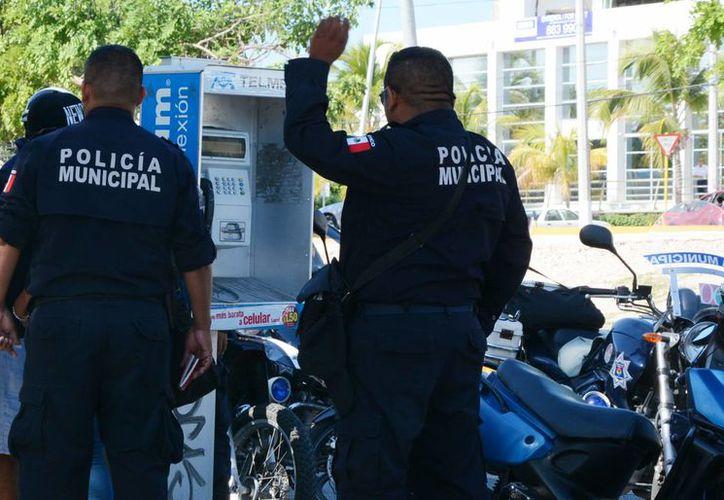 Capacitan a los policías para que actúen con profesionalismo. (Luis Soto/SIPSE)