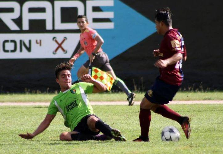 El partido se realizó en el estadio Caros Iturralde de la Blanca Mérida. (Raúl Caballero/SIPSE)