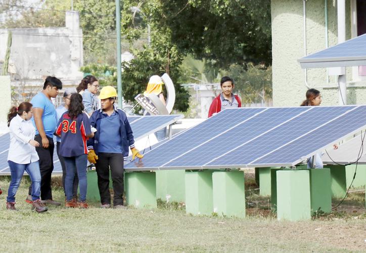 Ven en energías limpias opción para evitar más apagones en la región. (José Acosta)